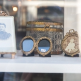 shopwindow-antiques
