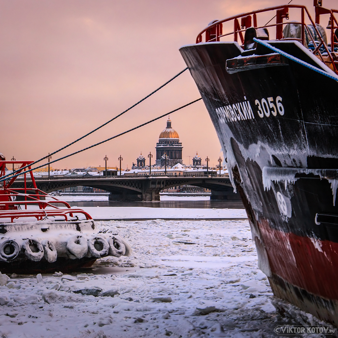 saint-isaac-cathedral-ice-river