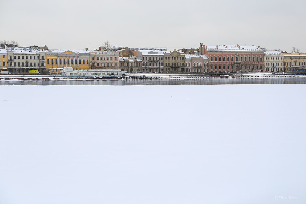 saint-petersburg-neva-river-snow