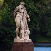 sculpture-hercules-elagin-island-nature