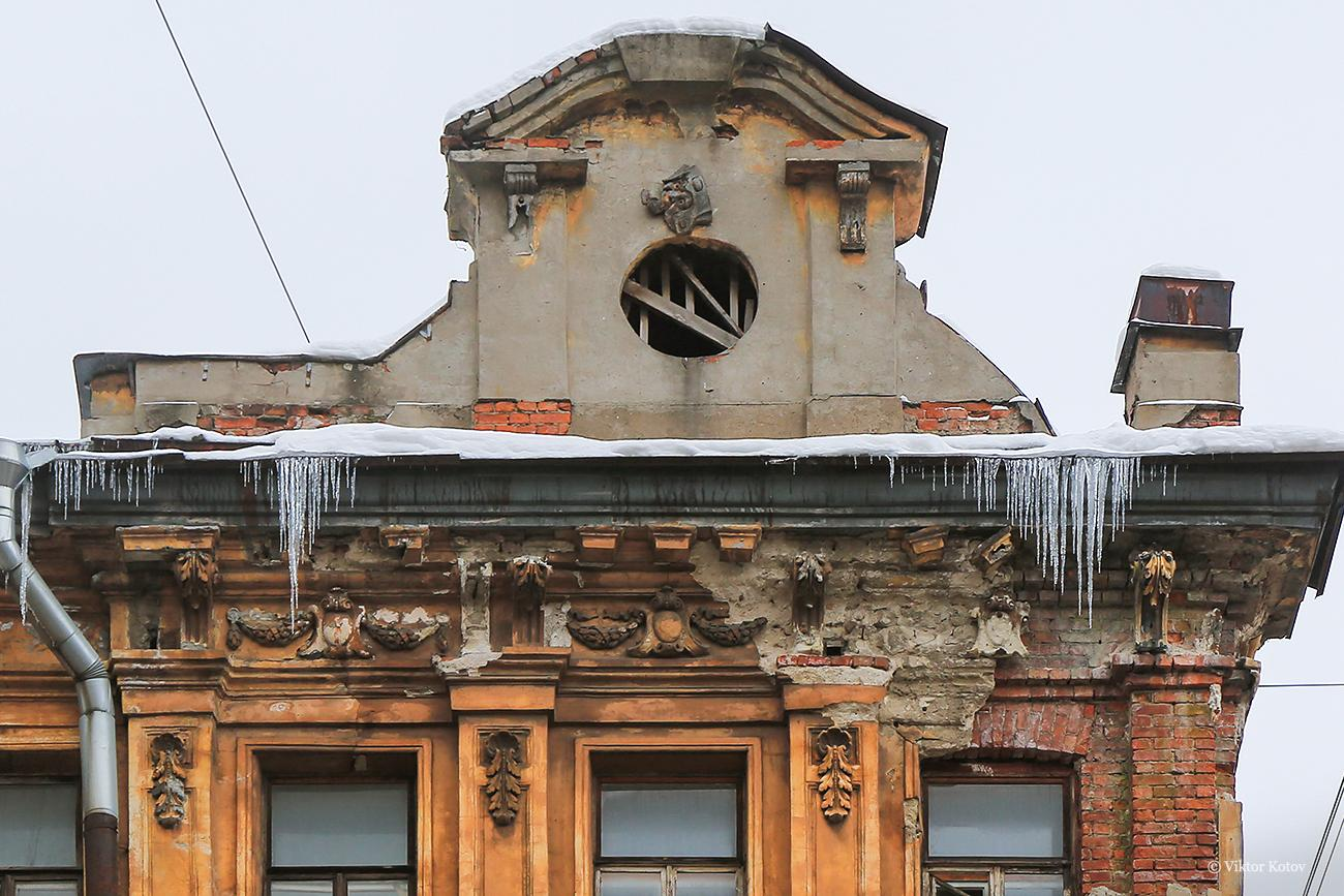 saint-petersburg-icicle-stucco2